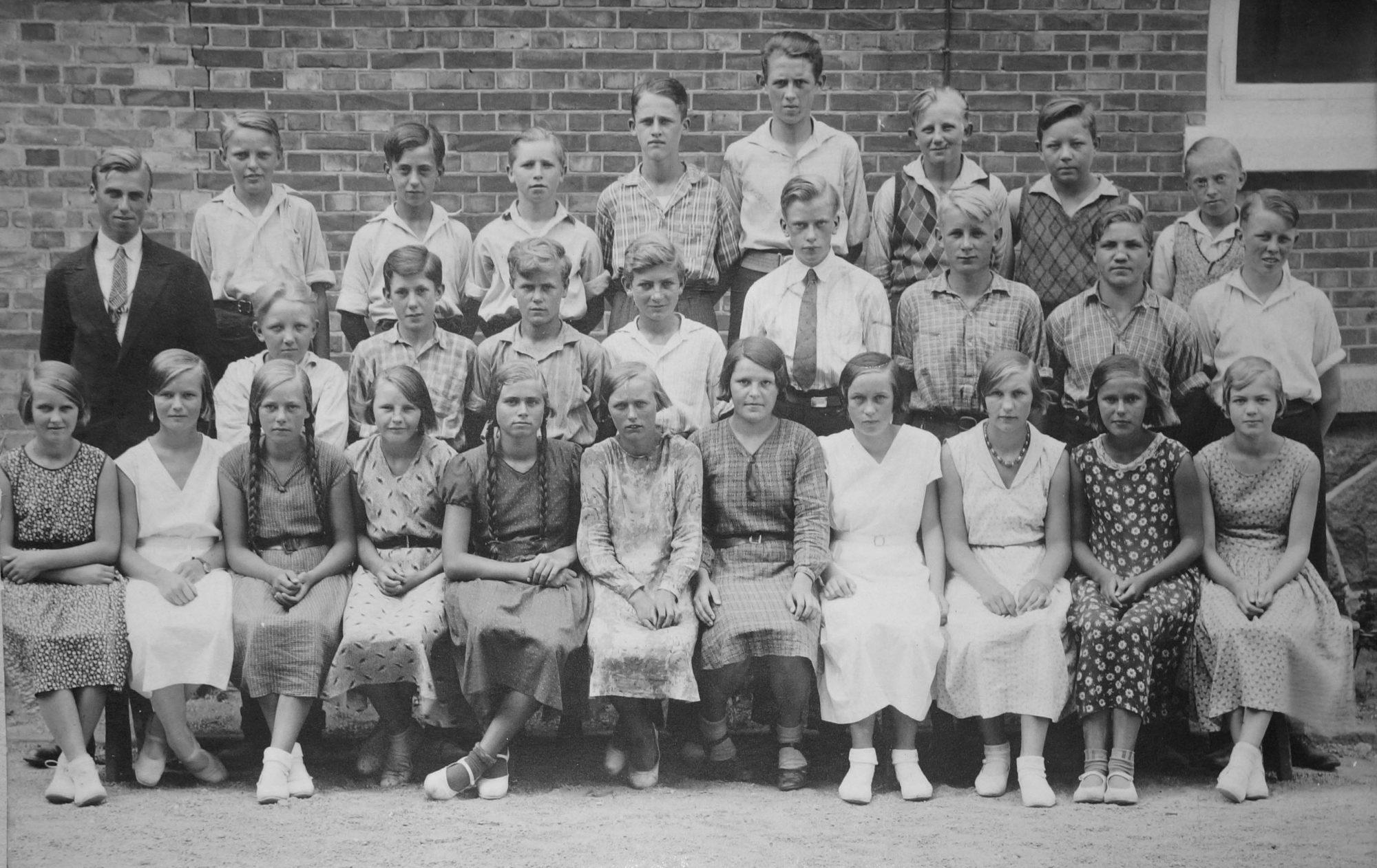 judith-i-4-mellem-i-roenne1932